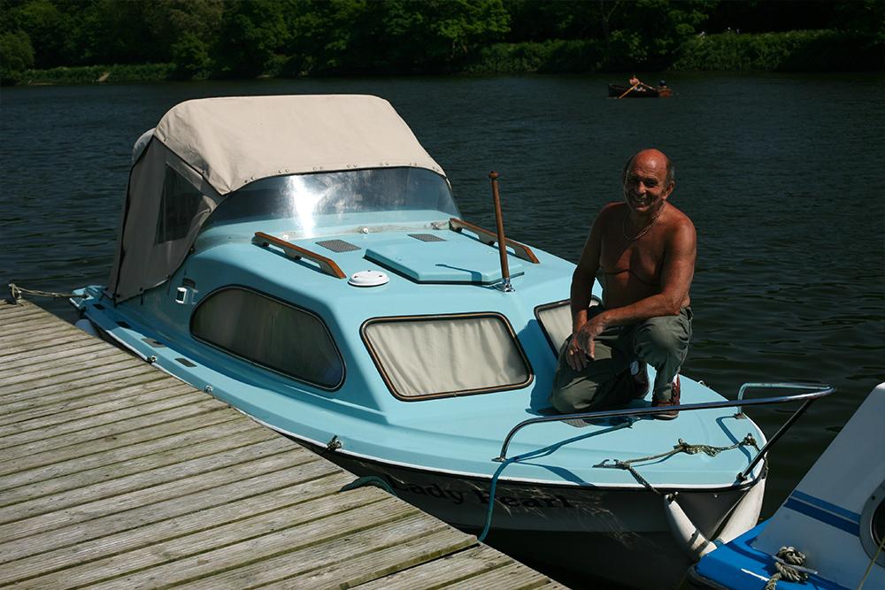 'Dad got a boat!'